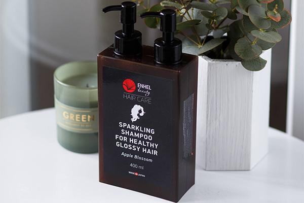 Шампунь для роста волос Sparkling Shampoo For Healthy Glossy Hair не дает мгновенного эффекта – ждать нужно месяц как минимум, зато он гарантирован!