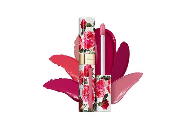 Матовый лак для губ Dolcissimo Dolce & Gabbana не сушит и потрясающе легко наносится, делает губы чувственными и бархатистыми.