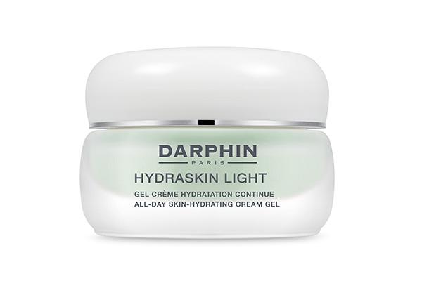 Легкий увлажняющий крем-гель Darphin мгновенно насыщает кожу влагой, а еще служит прекрасной основой под макияж.