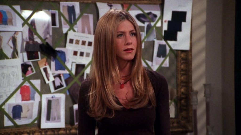Дженнифер Энистон (49). Каскад. Помнишь стрижку Дженнифер Энистон (49) из сериала «Друзья»? Многослойная прическа идеальна для тонких волос.