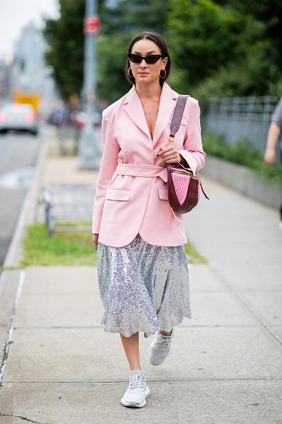 Наш любимый вариант - юбка-миди и пиджак. Главное подобрать цвета.