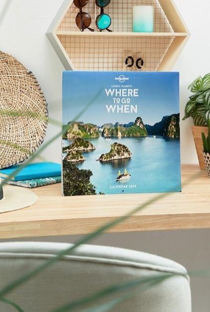 Календарь на 2019 год с дизайном «Куда и когда отправиться», 850 р. (Asos)