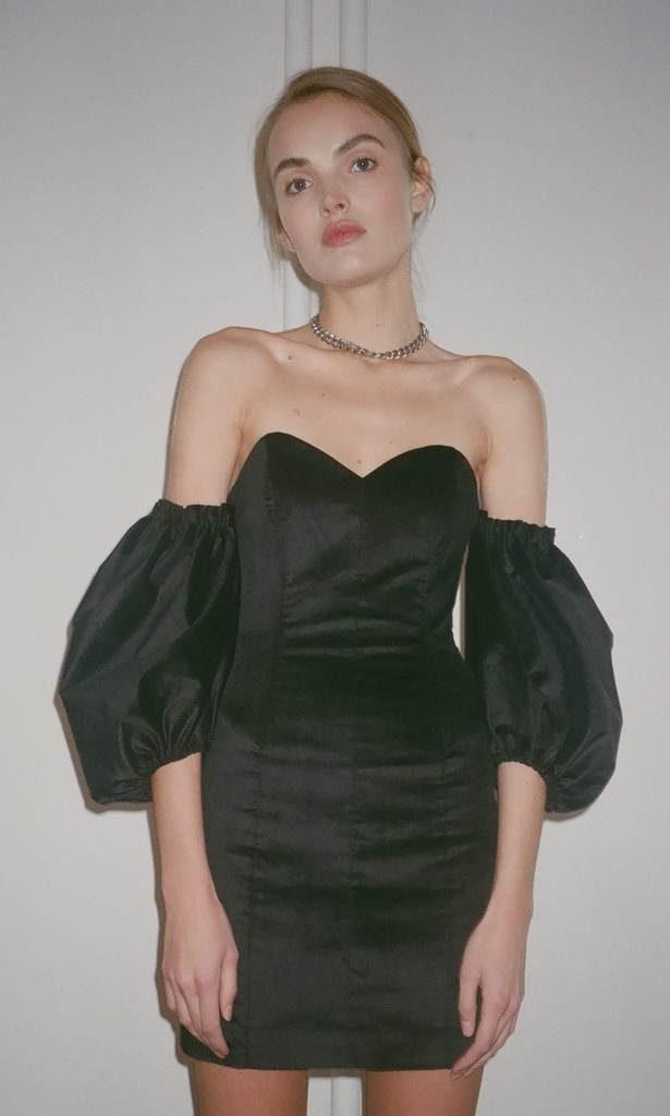 Платье, 15 000 р.
