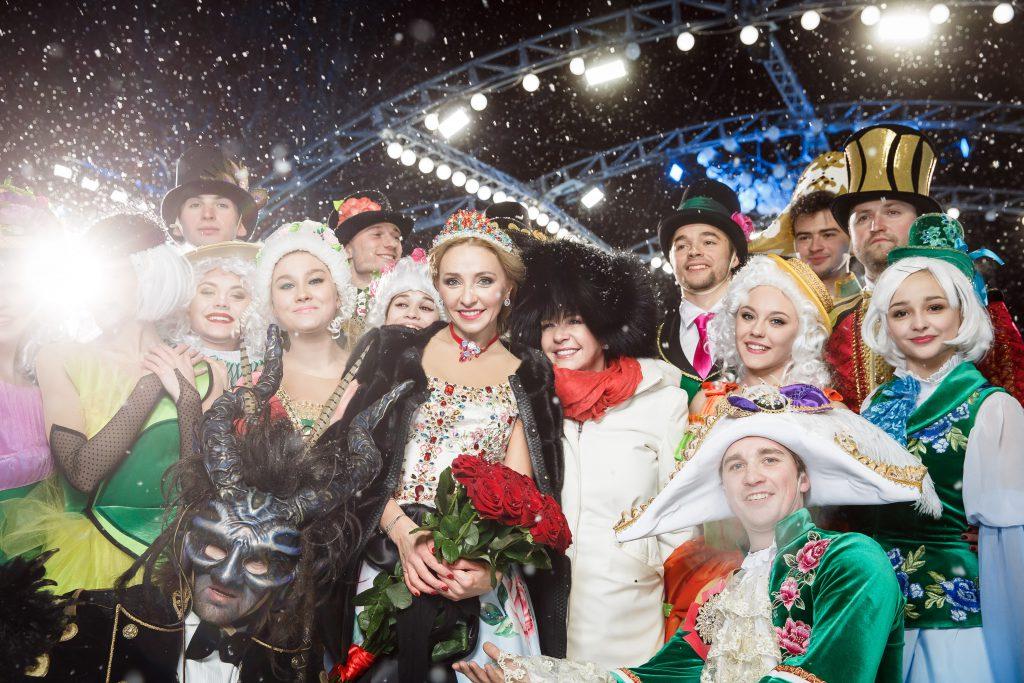 Татьяна Навка и Каролина Шойфеле с артистами