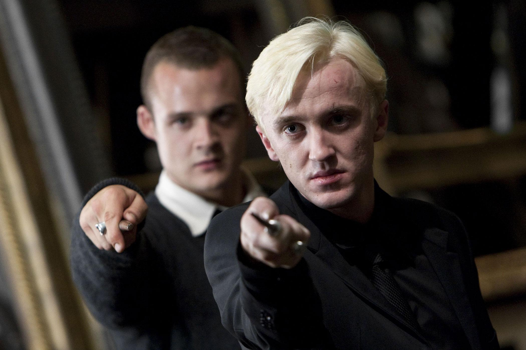 Звезда «Гарри Поттера» в новом фильме Netflix: Том Фелтон изменился до неузнаваемости