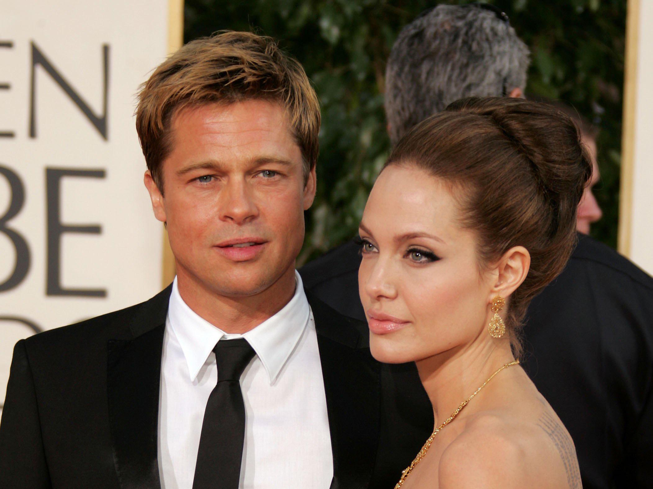 Неожиданно! Из-за чего Брэд Питт и Анджелина Джоли не могут развестись?