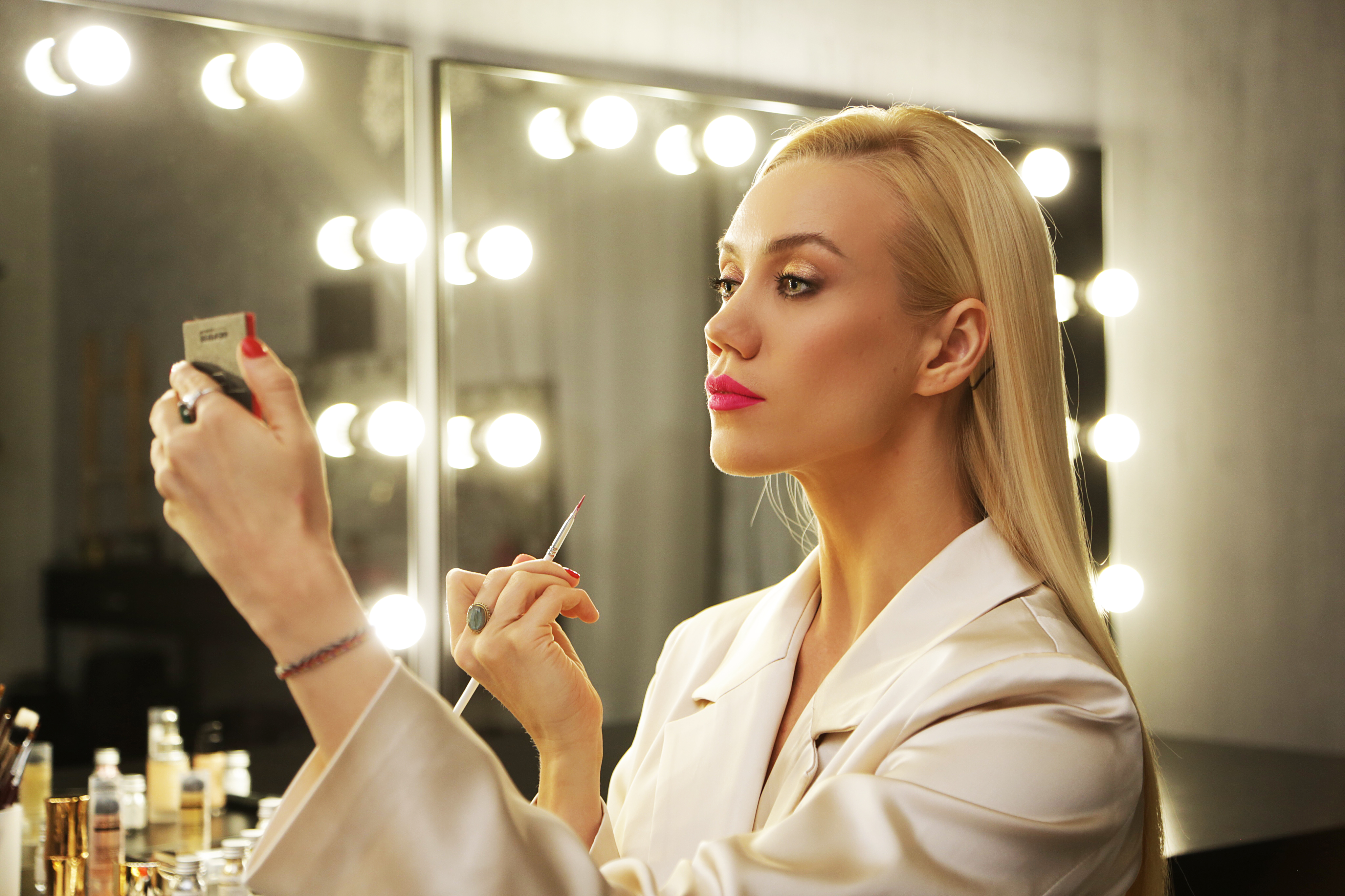 Сохрани в заметки: топ визажистов, которые делают крутой макияж
