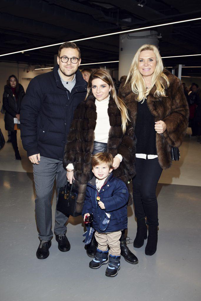 Петр Максаков и Галина Юдашкина с сыном Толей и Марина Юдашкина