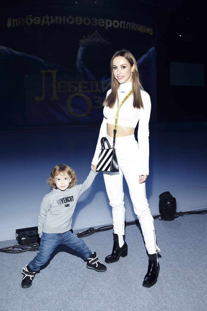 Милана Королева с сыном