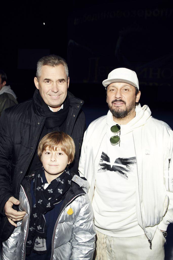Павел Астахов с сыном Аркадием и Стас Михайлов