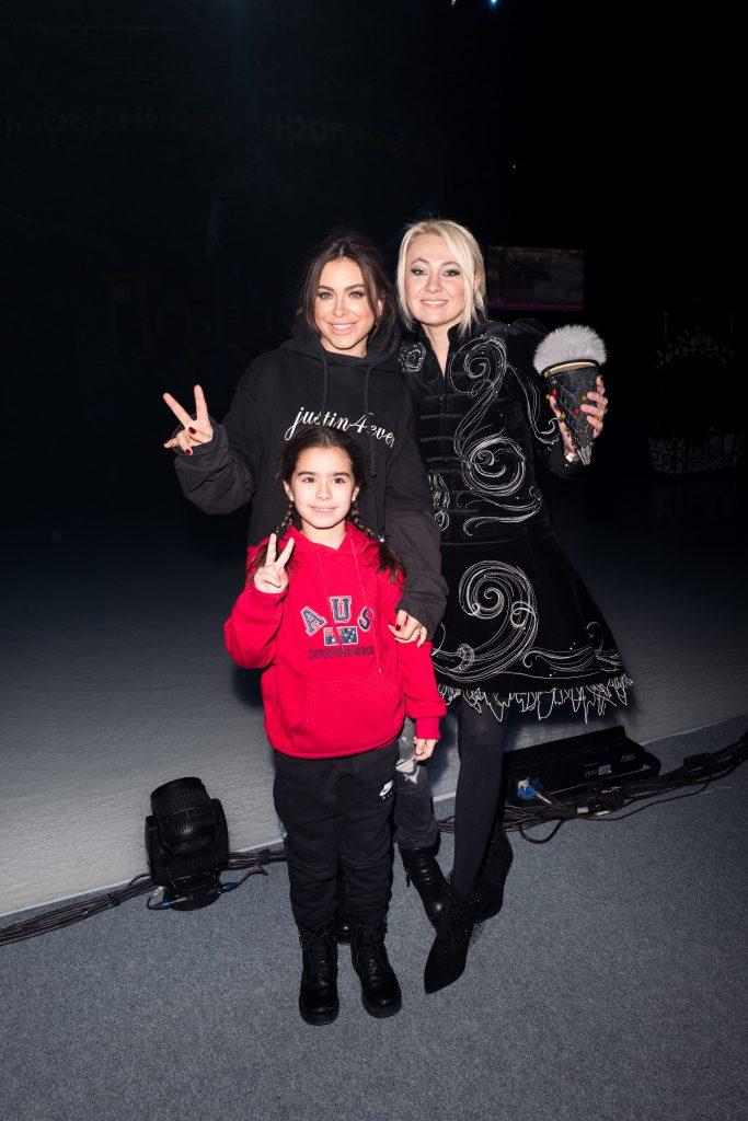 Ани Лорак с дочерью Софией и Яна Рудковская