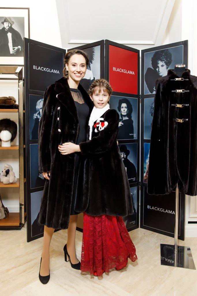 Елена Неверовская с дочерью