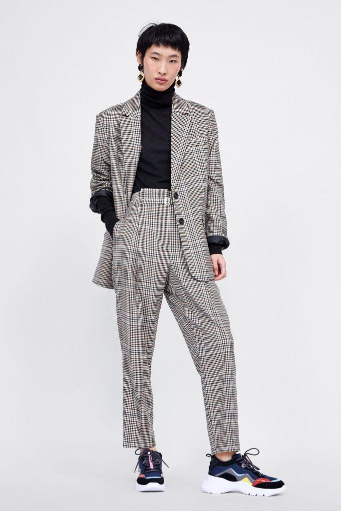 Пиджак, 3 999 р./2 999 р., брюки 2 999 р./1 999 р.