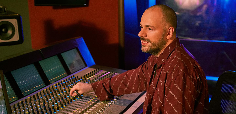 Бизнесмен и музыкант Асланбек Джалиев: о нефтяном бизнесе, музыке в Лос-Анджелесе и статусе завидного холостяка