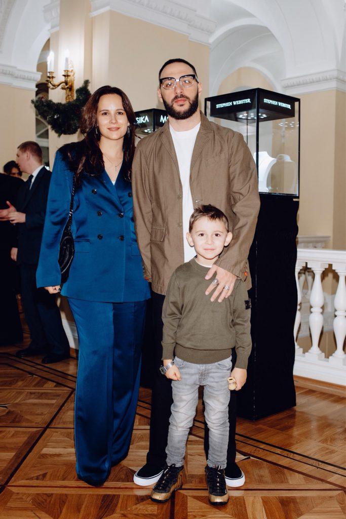 Анна Горозия и L'one с сыном Мишей