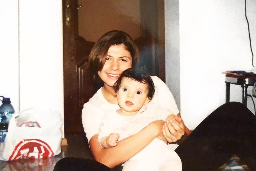 София с мамой Нателлой; @sofia_krapivina