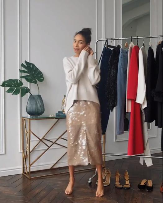 А юбка - с объемным свитером и босоножками/сапогами на высоком каблуке. Вариант на все случаи жизни от 12Storeez
