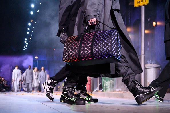 Светящаяся сумка Louis Vuitton, скоро в продаже