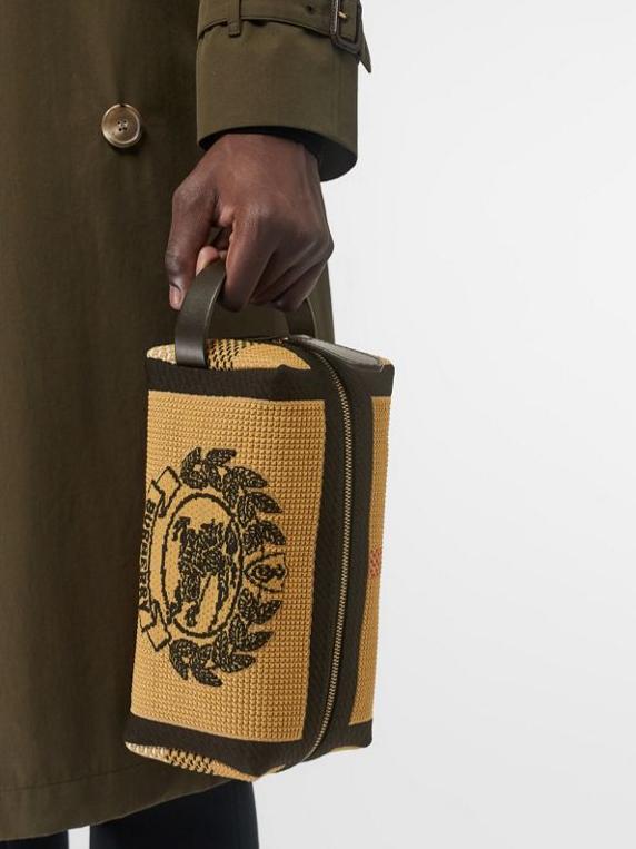 Трикотажная сумка-кошелек Burberry, 45200 p. (burberry.com)