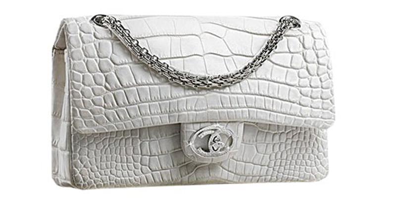 №4: $261 тыс. (ок. 17,3 млн. р.) стоила эта сумка Chanel. Почему? Причины две: первая - в ней 334 бриллианта, вторая - в мире их всего 13.
