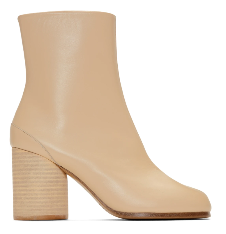 Ботильоны Maison Margiela Tabi Boots, $895 (ssense.com)