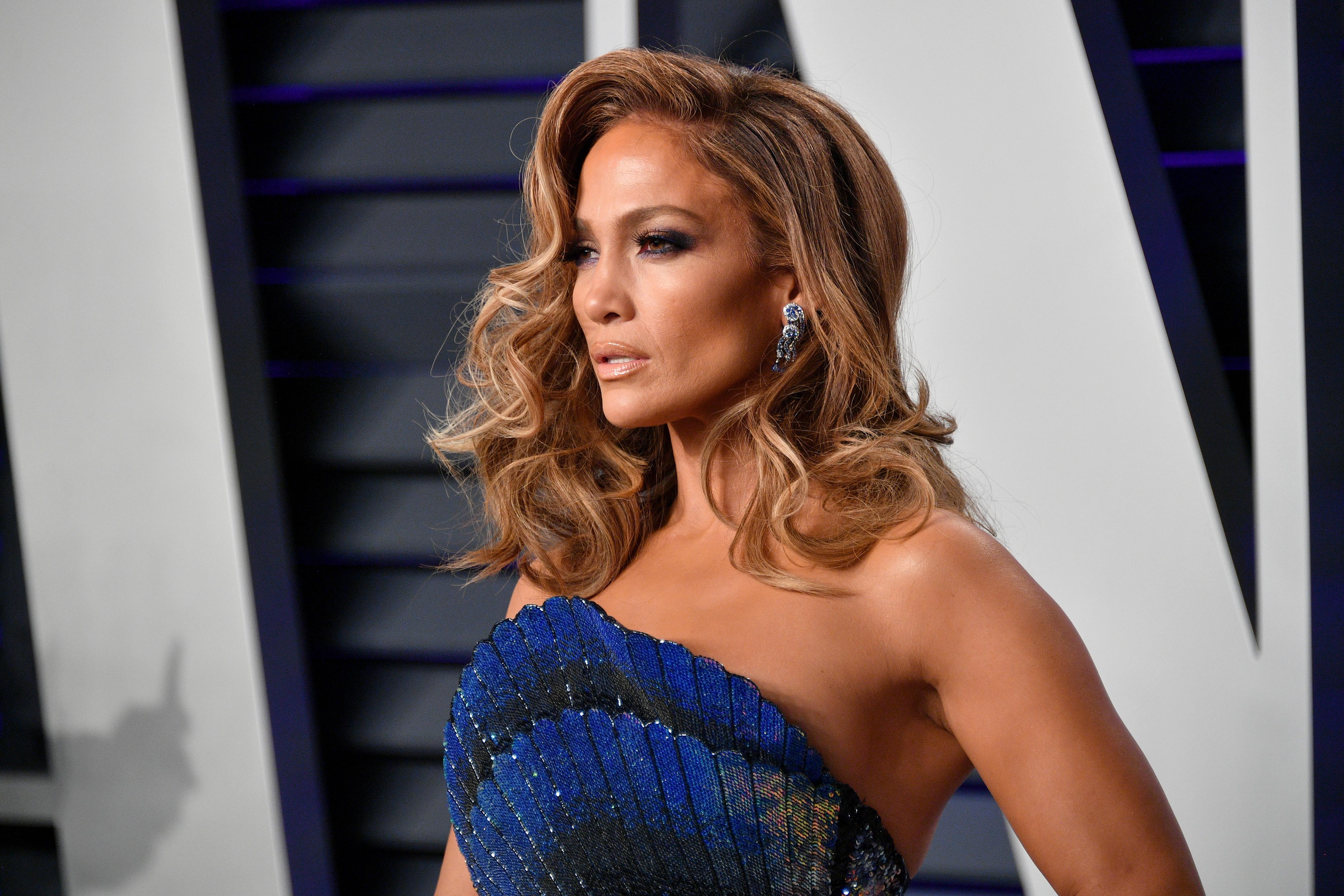 Сияющий макияж как у Дженнифер Лопес: секреты звездного визажиста