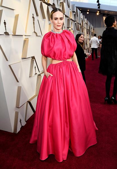 da8656959e4 Самые красивые наряды звезд на красной дорожке «Оскар-2019»