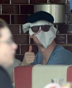 Гений маскировки. Как Том Харди решил прятаться от папарацци?