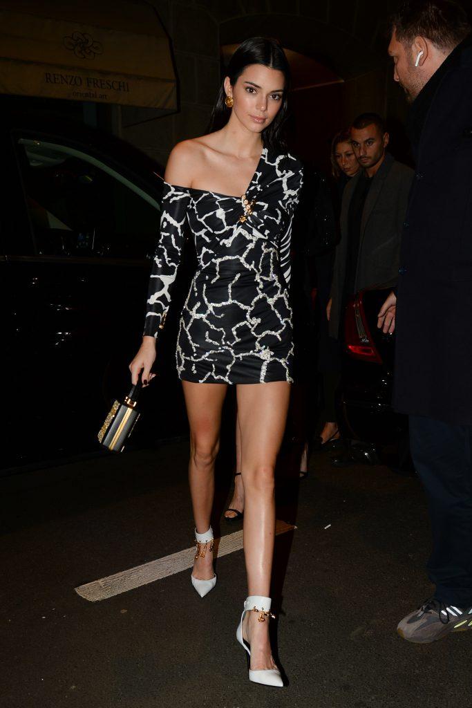 Кендалл Дженнер на вечеринке Versace