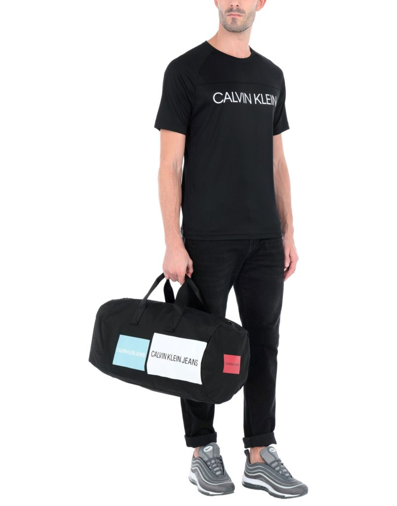 Calvin Klein Jeans, 5800 p. (yoox.com)