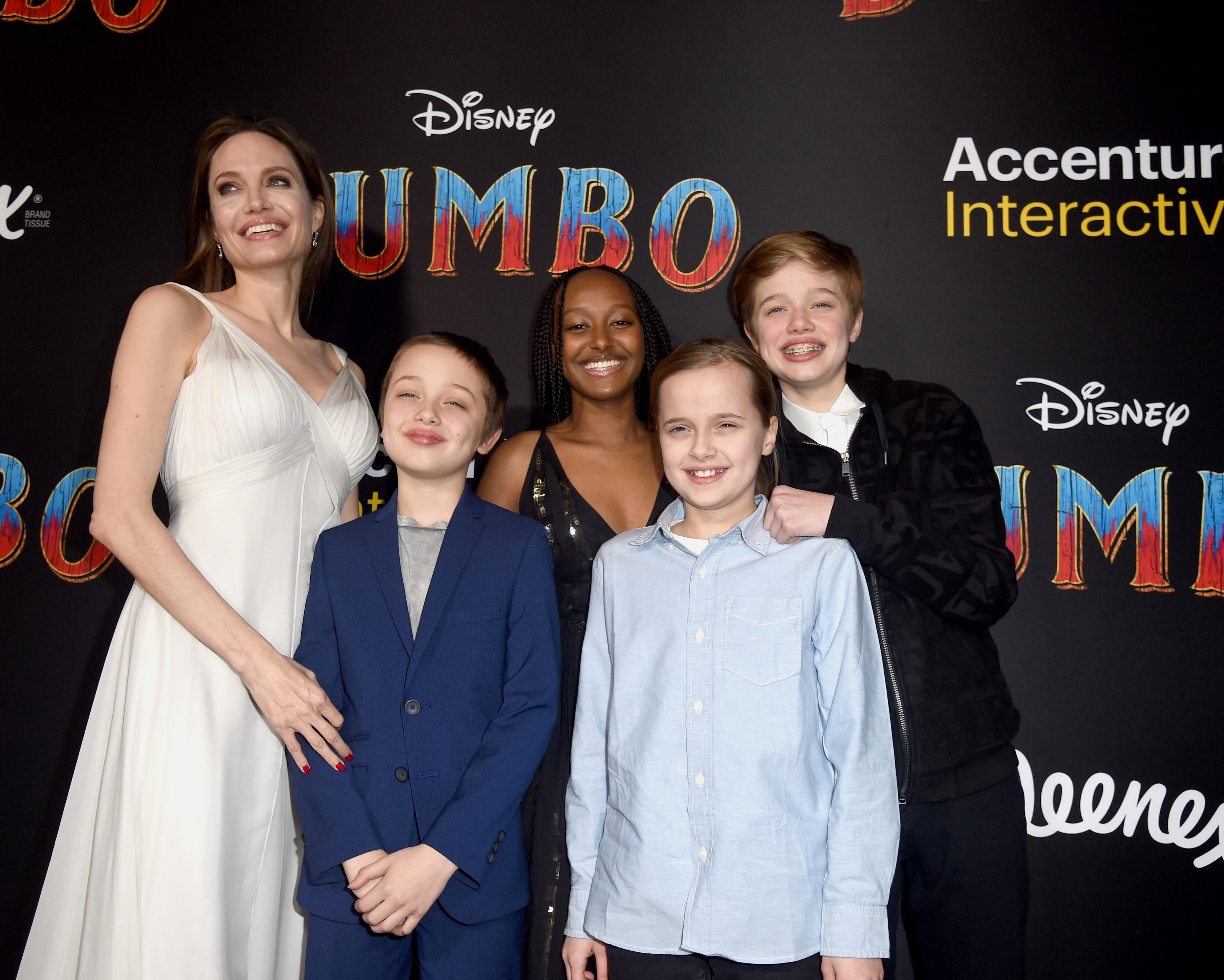 Дети Анджелины Джоли ждут нового фильма с мамой! И у актрисы в нем будет ну очень сексуальный костюм