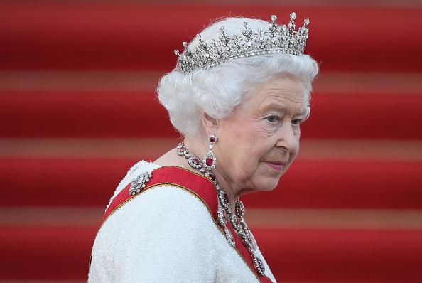 Елизавета II купила 620 подарков на Рождество