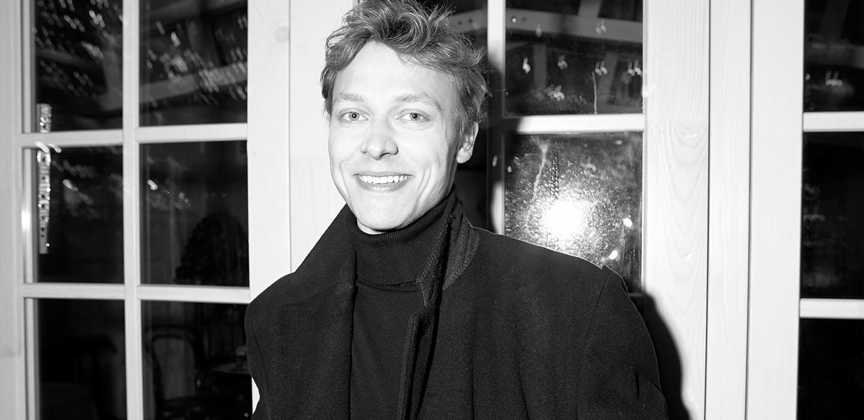 Новое поколение: сын актера Михаила Трухина Егор о работе официантом, «Улицах разбитых фонарей» и разводе родителей