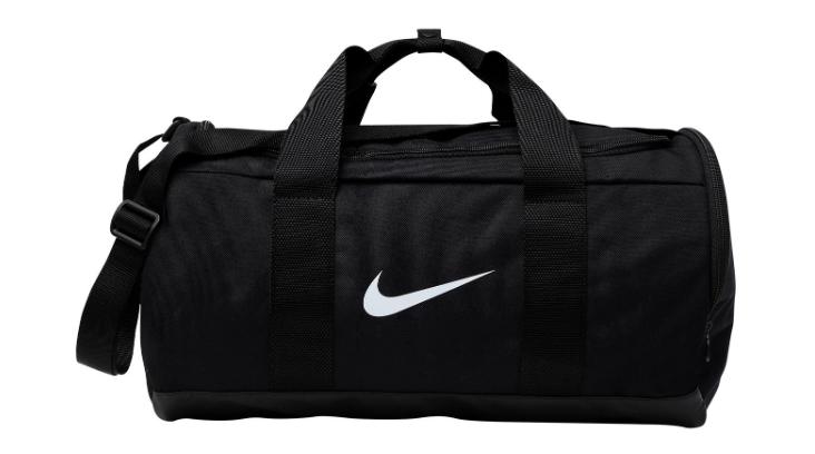 Nike, 2310 p. (yoox.com)