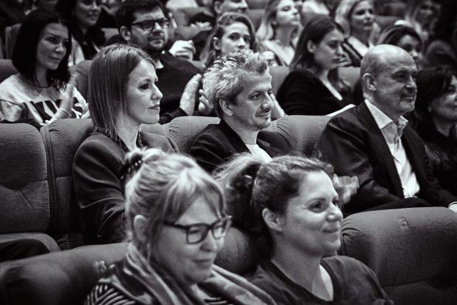 Ксения Собчак встретила рассвет впустыне уинсталляции жителя Америки