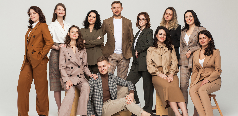 slider all we need - Как создать крутой бренд женской одежды, если ты… мужчина? Рассказывает основатель All We Need!