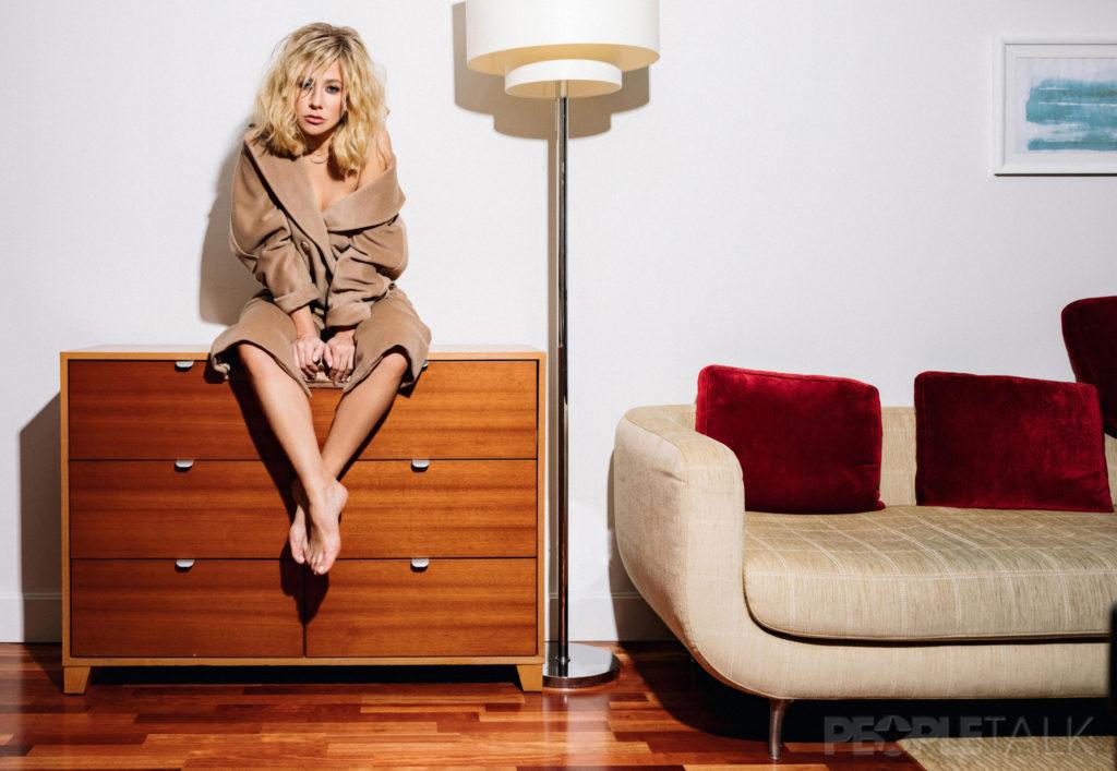 ba2 9057 1 1024x707 - Эксклюзив PEOPLETALK: Юлия Барановская о том, почему не считает себя одинокой, не принимает измены и чего хочет от мужчины