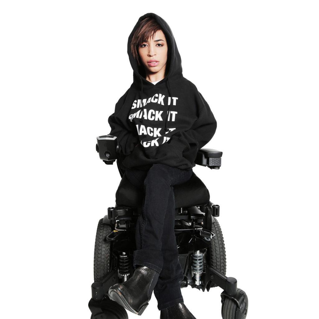 Джиллиан Меркардо в рекламной кампании Бейонсе