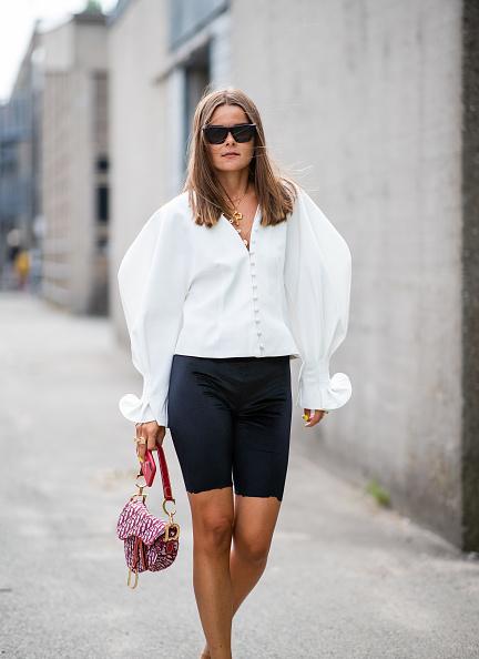 e79cfa4a663 Как носить белую рубашку  Стильные образы для девушек на PEOPLETALK