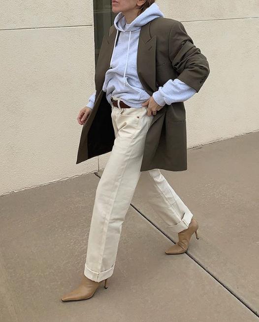 Еще один (от нее же) - худи + пиджак. Это вообще стиль в чистом виде
