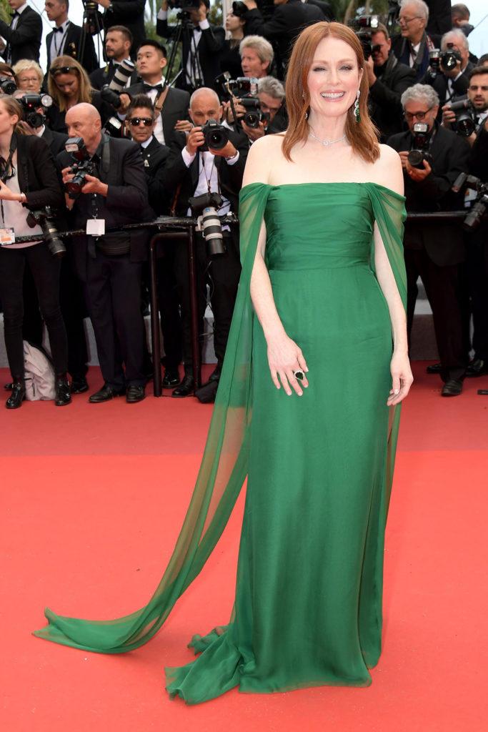 Джулианна Мур в платье Dior и украшениях Chopard