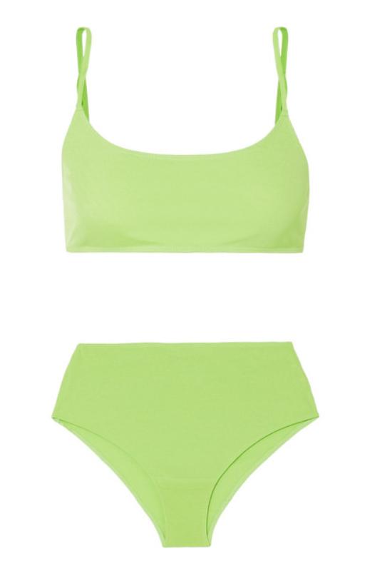 Комплект белья Rejina Pyo, £80 (net-a-porter.com). Неоновый купальник на загорелом теле - стиль в чистом виде