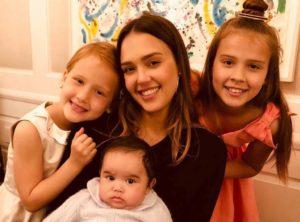 В День матери: самые крутые звёздные мамочки