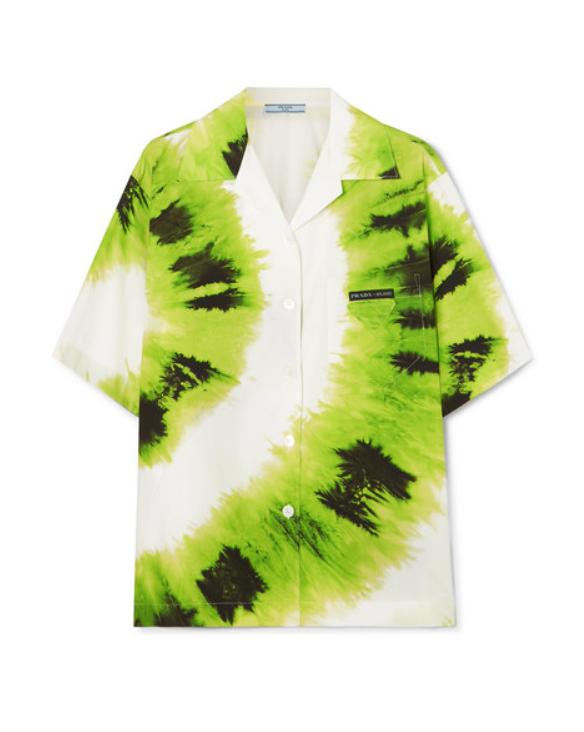 Рубашка Prada, £559 (net-a-porter.com). Рубашка с коротким рукавом - мастхэв этого лета