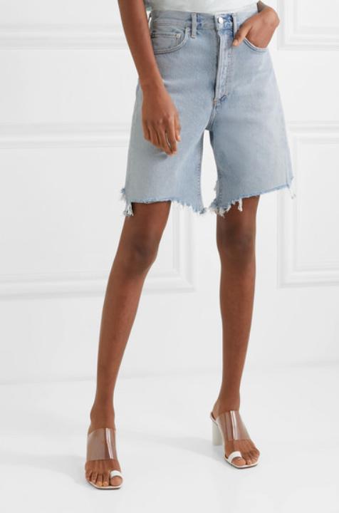 Шорты Agolde, £150 (net-a-porter.com). С оверсайз-пиджаком и широким ремнем!