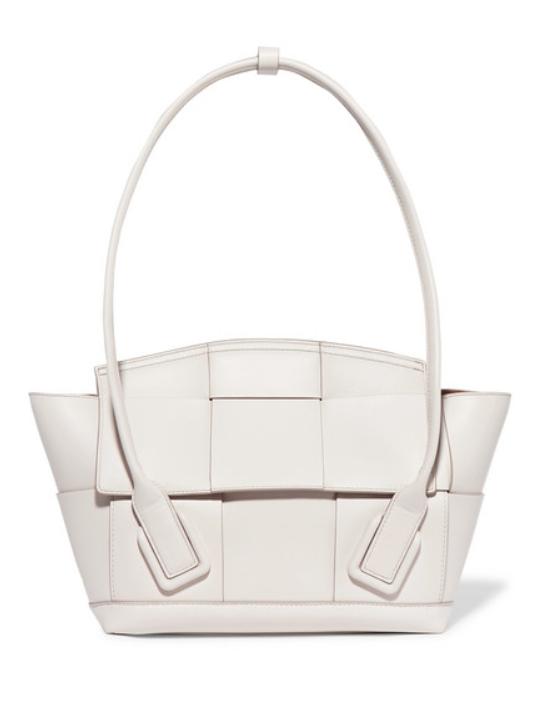Сумка Bottega Veneta, £1975 (net-a-porter.com). Самая идеальная сумка среди всех новых коллекций