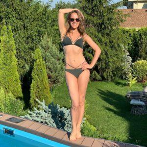 Лето в разгаре: самые горячие фотографии звезд в купальниках