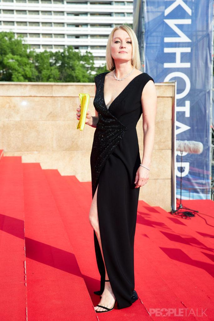 Виктория Толстоганова в платье Natalia Gart