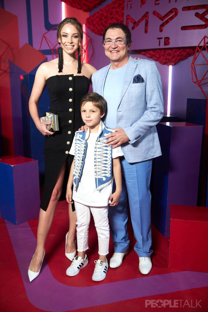 Полина и Дмитрий Дибров с сыном