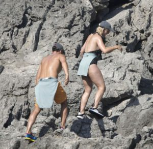 Когда хотелось романтики, но от папарацци не скрыться: Орландо Блум и Кэти Перри отдыхают на яхте